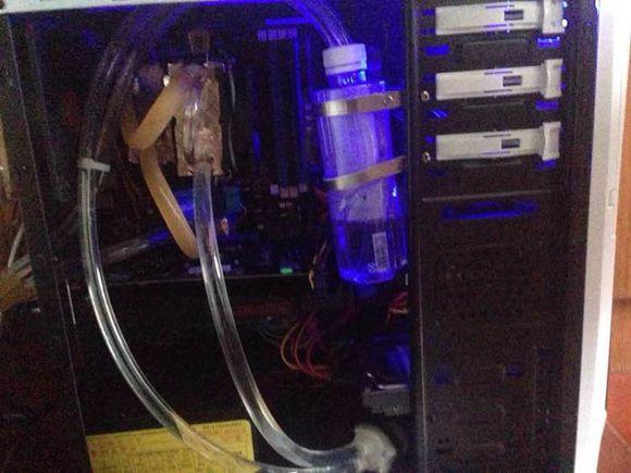58.4元史上最便宜的电脑水冷散热全套 �潘磕阒档糜涤�