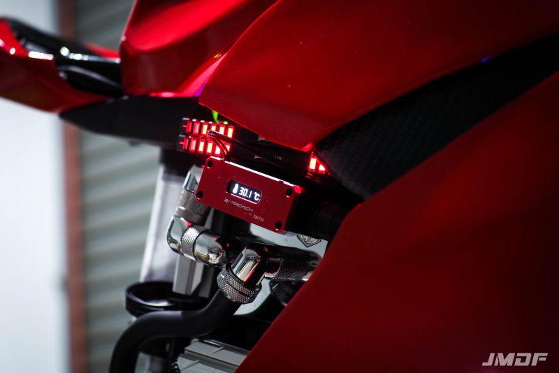 更像摩托车了DUCATI杜卡迪PANIGALE PC水冷电脑Bitspower红色水冷图片